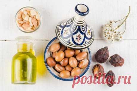 Аргановое масло для волос: полезные свойства и способы применения Чрезвычайно полезное для волос аргановое масло или масло арганы изготавливают из орехов аргановых деревьев, которые выращиваются в основном в Марокко. При покупке этого масла вы, скорее всего, увидите...