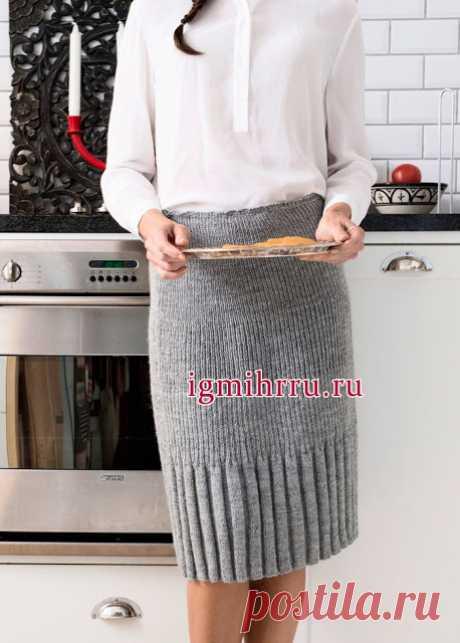 Красивая и простая в исполнении юбка спицами     Вам потребуется:пряжа Novita Nalle (75% шерсть, 25% полиамид, 260 м/100 г) - 450(500)500(550)600 г серого цвета (043), круговые спицы № 3,5-4 длиной 80 см, резинка.  Техника вязания. Резинка 1x…