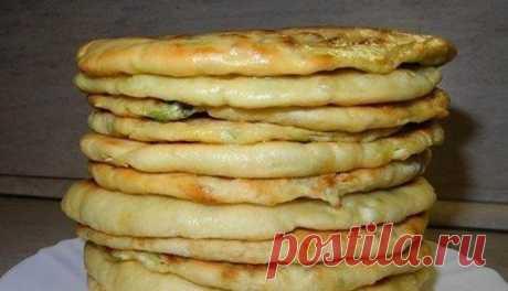 Восточные Хачапури с нежным сыром и вареным яйцом: вкусный и экономичный рецепт