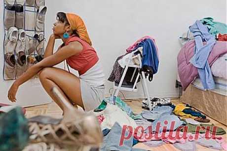 Генеральная уборка: спальня, гостиная     Умелое домоводство: делаем уборку Все любят, когда в доме чисто и красиво, но я уверена, что вряд ли найдутся любительницы большой генеральной уборки, хотя, куда деваться, делать это надо. Жалко тратить на уборку квартиры выходные