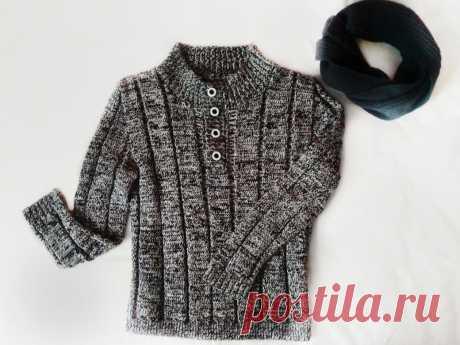 Мужской пуловер с застежкой поло вязаный спицами, шерсть в две нитки
