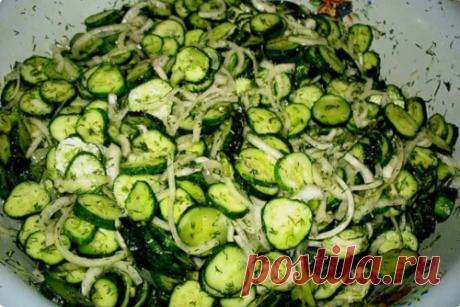 Чесночные свежие огурчики на зиму. Вкусный салат «Сырой» без тепловой обработки - медиаплатформа МирТесен