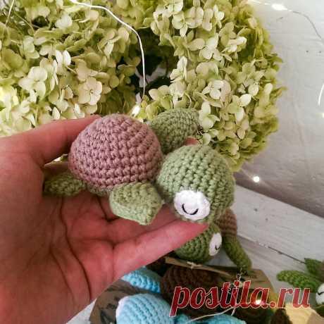 Вязаный брелок черепашка крючком   Hi Amigurumi