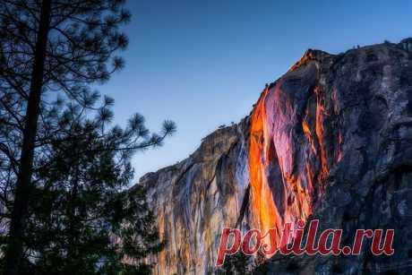 В феврале водопад «Лошадиный хвост» превращается в настоящее чудо света.
