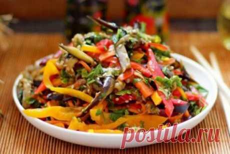 Салат с шампиньонами, кабачками и баклажанами, рецепт с фото | Вкусные кулинарные рецепты Салат с шампиньонами, кабачками и баклажанами, рецепт с фото | Самые вкусные кулинарные рецепты | Новые рецепты с фото и видео на «Kulinarow.ru»