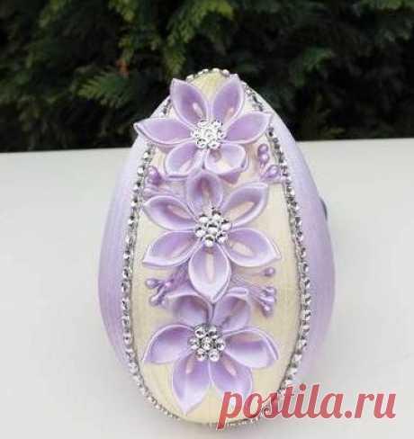 Silk Easter eggs. For inspiration
