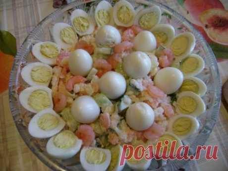 Салатик с креветками и свежим огурцом