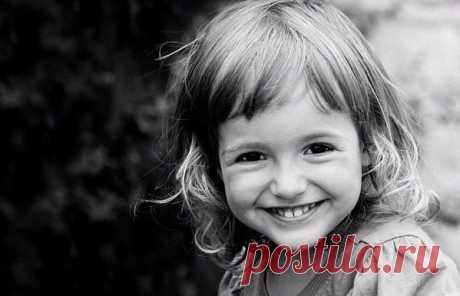 15 ПРИНЦИПОВ ЖИЗНИ, КОТОРЫЕ ДОЛЖЕН ЗНАТЬ РЕБЕНОК   Выделите специальный день для серьезного разговора с ребенком или поймайте момент, но передайте им следующую информацию:  1. Считай себя удачливым. Показать полностью…