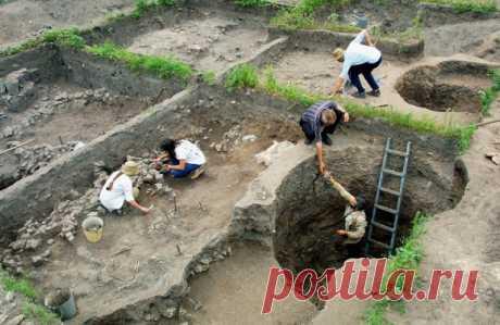 ВКрасноярском крае нашли крупный могильник Vвека Археологи нашли вБогучанском районе Красноярского края могильник Vвека нашей эры. Этокрупнейшее погребение того времени, обнаруженное врегионе,