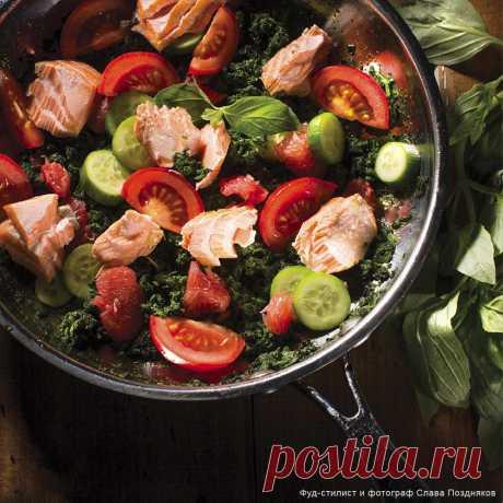 Рецепт - Салат из шпината с семгой и грейпфрутом - с фото