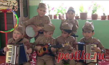 Таджикские детсадовцы спели «Смуглянку» и стали звёздами Интернета (ВИДЕО)