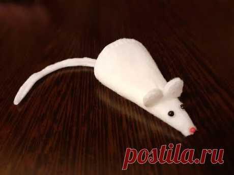 Мышка из ватного диска. Символ нового года. Просто и интересно.