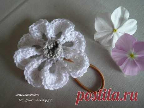 Цветочек к резинке для волос