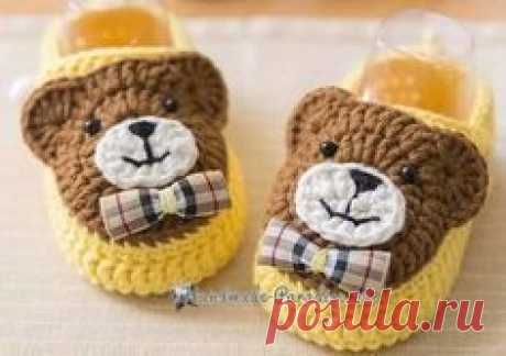 Bootees with bear cubs a hook. Schemes of knitting (1)