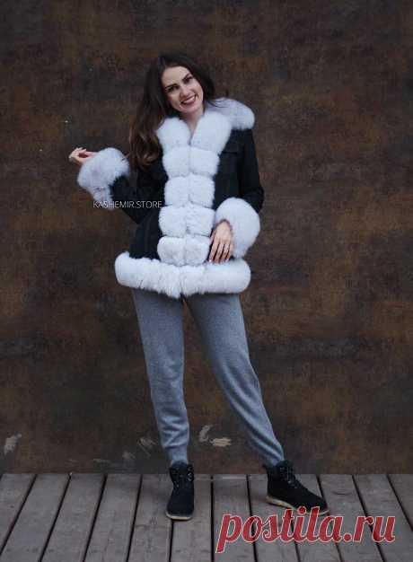Джинсовая куртка и джинсовки с мехом внутри купить в Москве с доставкой в день заказа. Меховые женские джинсовки представлены с мехом песца под соболь,лисы и чернобурки.