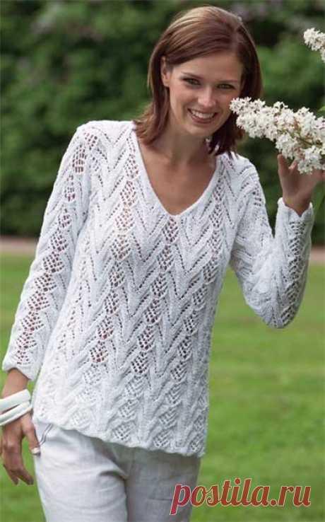 Белый ажурный пуловер .