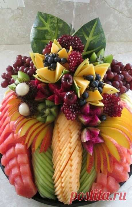 Шедевры фруктовой подачи!