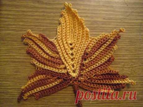 Кленовые листья крючком