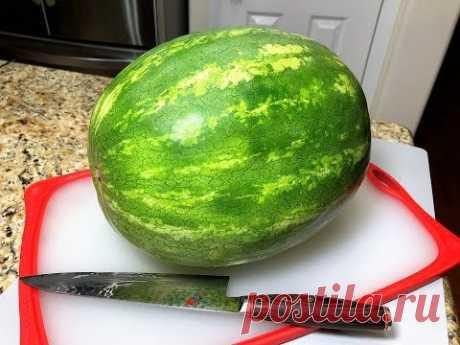 ЧТОБЫ ПО ЩЕКАМ НЕ ТЕКЛО Как за 3 мин. Красиво Нарезать АРБУЗ How to Cut a Watermelon