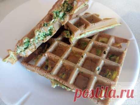 Овсяноблин в вафельнице - Диетический рецепт ПП с фото и видео - Калорийность БЖУ Овсяноблин - это очень удачное сочетание ингредиентов к которым можно добавить любую начинку. Завтракайте вкусно и полезно.