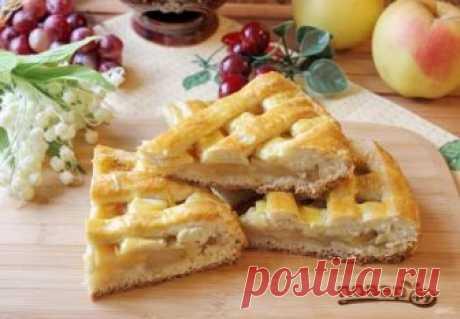 Яблочный пирог Джейми Оливера     Как и многие блюда, которые готовит Джейми Оливер, этот пирог простой, домашний и вкусный. Нежное песочное тесто с прослойкой яблок. Ароматный и мягкий. Попробуйте!   Описание приготовления: Храни…