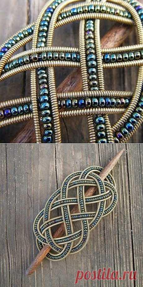 Заколка для волос из гитарной струны и бисера / Украшения и бижутерия / Модный сайт о стильной переделке одежды и интерьера