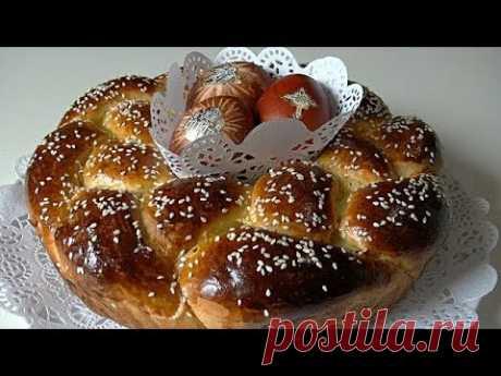 Пасхальный венок с начинкой, сдобный пасхальный пирог.