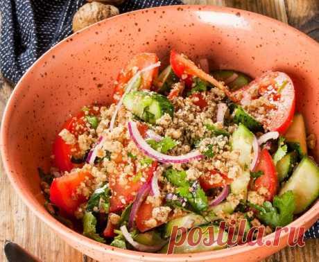 Овощной салат с орехами — Sloosh – кулинарные рецепты