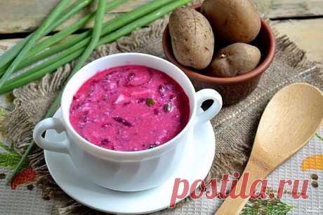 Литовский холодный борщ на кефире  Литовский холодный борщ на кефире является очень распространенным блюдом в Литве, особенно в летнюю жару. Суп получается очень полезным и абсолютно простым в приготовлении. Главная особенность этого блюда в том, что необходимо выбрать кефир большой жирности (не менее 2,5%) и подавать к столу обязательно с горячей картошкой.