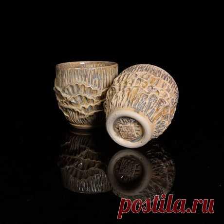 Reeves serie A pair of reeves tea cup. . . . . #reef #pottery #eyes #clay #wheelthrowing #handbuilding #handmade #ceramics #ceramic #lattecup #teacup #cupset  #pair #jun筠 #Jun #reflection #mugs #mug #cup
