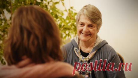 Сейчас Барбаре Шер 74 года! Вот уже более 30 лет она помогает другим людям чувствовать себя счастливыми. Как?
