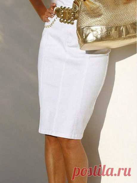 The skirt pencil without lateral seams sewed precisely on a figure.