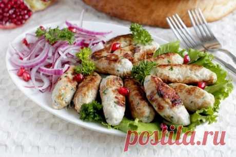 Люля кебаб из куриного фарша на сковороде - этот кебаб никогда не свалится с шампуров