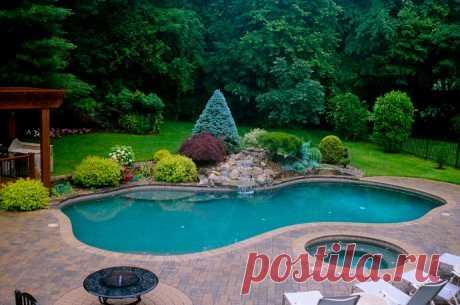Идеи прудов-бассейнов во дворе