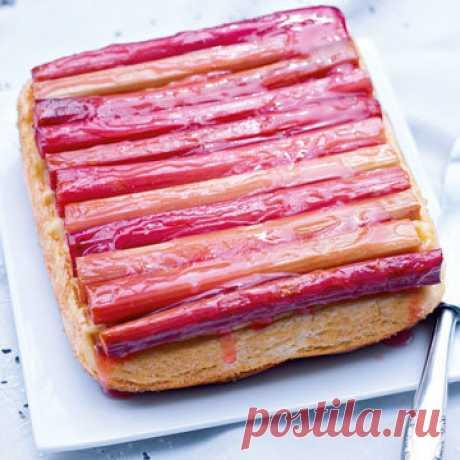 Пирог с ревенем  Сезон ревеня недолог. Спешите испечь вкусный пирог с ревенем - пока его можно купить везде!