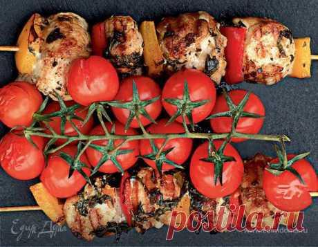 Шашлычки из цесарки с помидорами черри и сладким перцем   Официальный сайт кулинарных рецептов Юлии Высоцкой