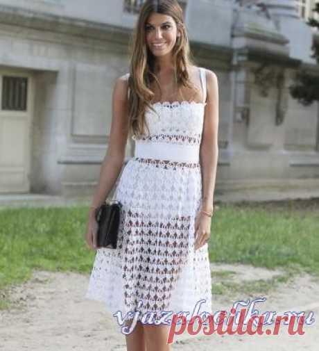 Dress a hook from Dolce & Gabbana, the scheme