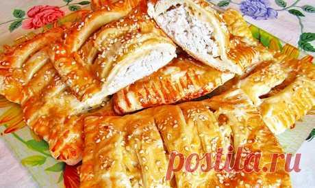 Слойки с курицей и сыром в духовке | Рецепты на FooDee.top
