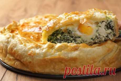 Пасхальный пирог - который я готовлю только на ПАСХУ! Пасхальный пирог с яйцами, сыром и шпинатом станет настоящим украшением праздничного стола! Совсем немного усилий и красивый, сытный пирог готов — он хорош, как в теплом, так и в холодном виде. Его можно готовить заранее — настоявшийся он становится только вкуснее, а разрез будет более четким и...