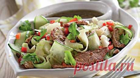 Рецепты салатов с фото К каждой трапезе, по всякому поводу и в любое время года - на нашем сайте найдутся подходящие рецепты салатов.