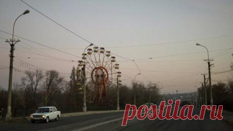 В ЛНР усилили охрану стратегических объектов после теракта в Луганске Власти самопровозглашённой Луганской народной республики поручили усилить охрану стратегически важных объектов после теракта на путепроводе в Луганске.
