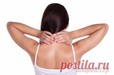 Острый остеохондроз: причины, симптомы, лечение Острый остеохондроз проявляется в виде острой пронизывающей боли, которая распространяется не только на пораженные области позвоночника, но и на рядом расположенные органы. На первоначальной стадии бо...