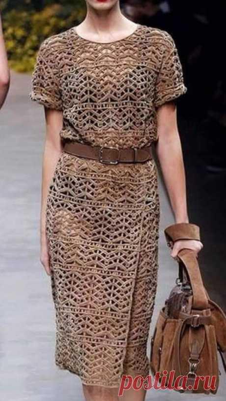Платье от Стюарта Веверса, вяжем крючком