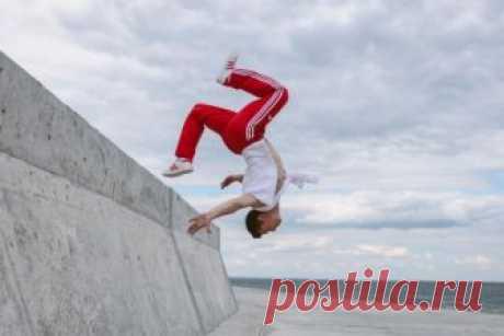 Танцы у моря в новом клипе MONATIK | Vogue Ukraine