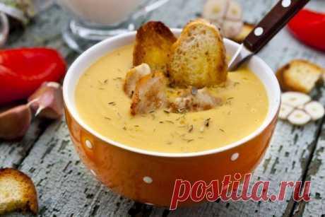 Сливочный суп с курицей и гренками — королевский обед! - Счастливый формат