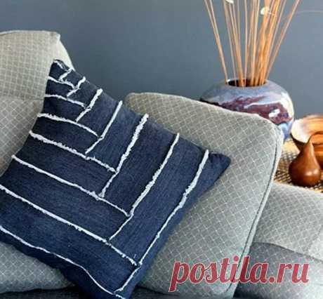 Как сшить наволочку для декоративной подушки из старых джинсов с «ёлочкой» из лоскутков — Мастер-классы на BurdaStyle.ru