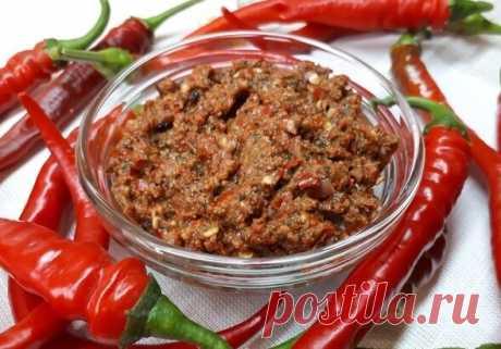 Научили готовить настоящую абхазскую аджику. В рецепте нет ни одного помидора   Записки кухарки   Яндекс Дзен