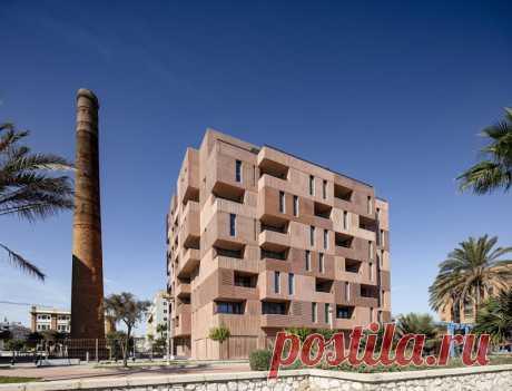 Alejandro Muñoz Miranda, Javier Callejas Sevilla · Residential Building in Málaga · Divisare