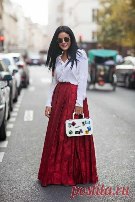 С чем можно сочетать юбку в пол весной? Актуальные образы с юбками макси | C чем носить? | Яндекс Дзен