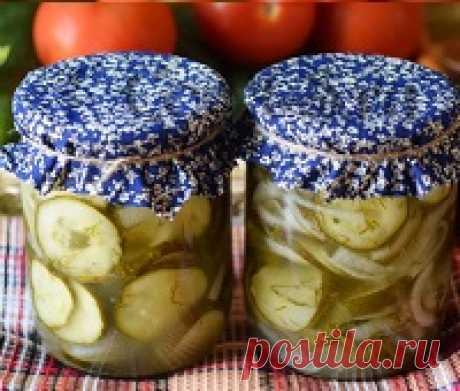 """Салат из огурцов на зиму - рецепты """"Зимний король"""", по-корейски, в томатном соусе, с помидорами Салат из огурцов на зиму. Рецепты. Салат из огурцов с луком и зеленью «Зимний король» без стерилизации. Рецепт огурцов по-корейски. Салат из огурцов и помидоров – просто пальчики оближешь. Огурцы в томатном соусе на зиму. Остренькие огурчики с перцем Чили на зиму. Калорийность. Фото. Видео."""